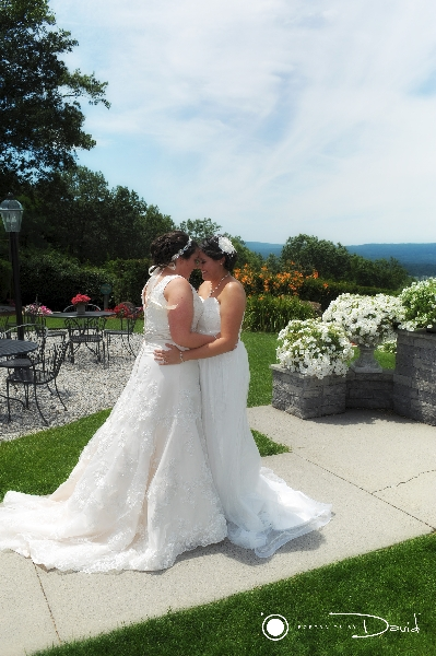 Log Cabin Delaney House wedding photography