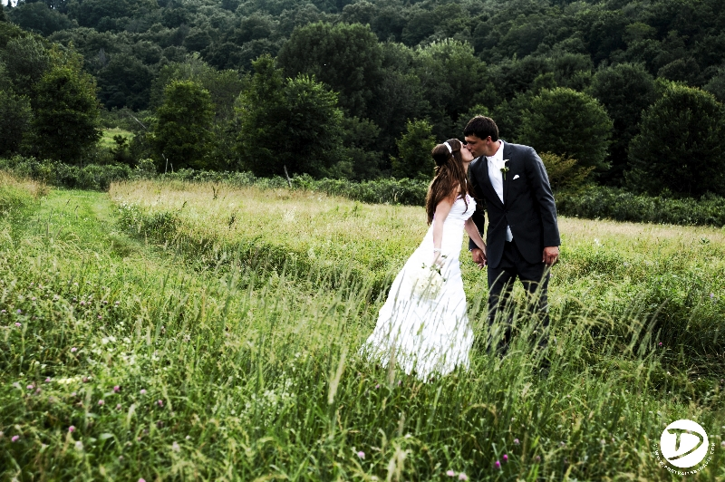 quonquont farm wedding photo
